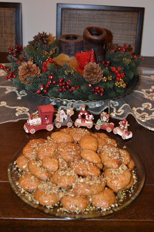 Προτάσεις για το χριστουγεννιάτικο μενού από το  Ανθομέλι, μελομακάρονα