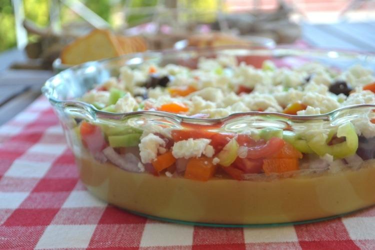 Ιδέες για νηστίσιμες συνταγές (σαρακοστιανά) - ελληνική σαλάτα με φάβα