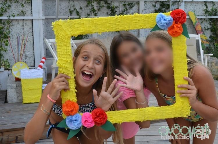we_love_pinatas_photobooth