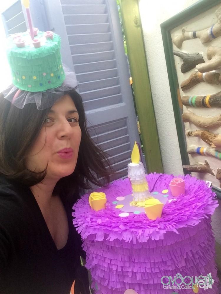 piniata_birthday_cake