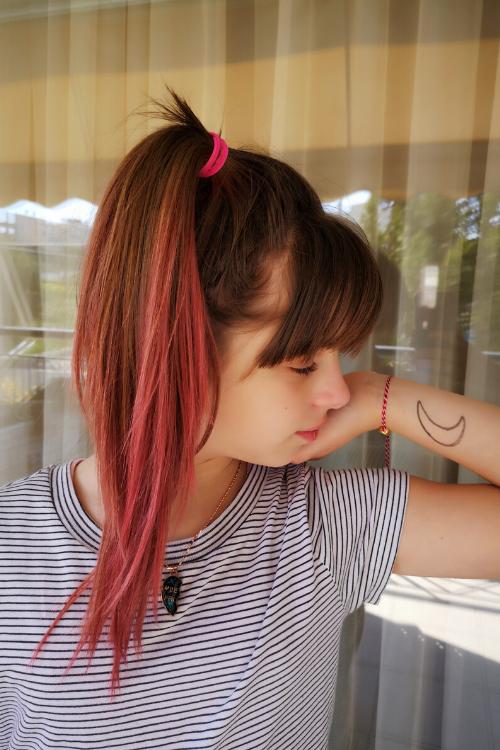 Πώς να βάψετε τα μαλλιά σας ρόζ. Συνταγή