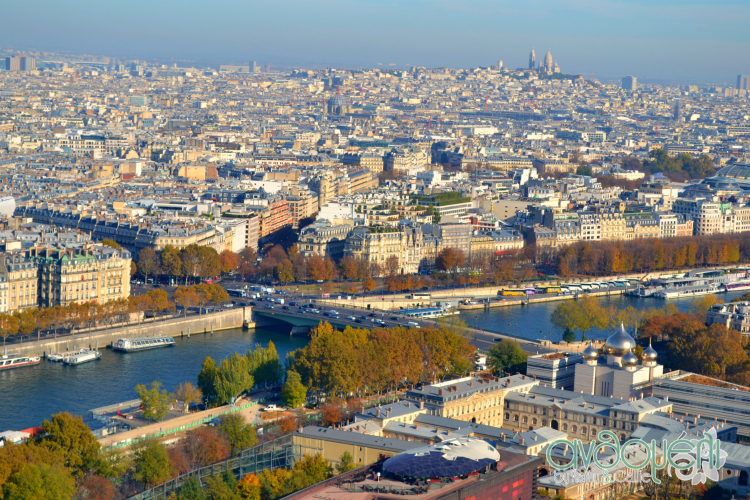 Οικογενειακές διακοπές στο Παρίσι  με τα παιδιά. Πύργος του Άιφελ