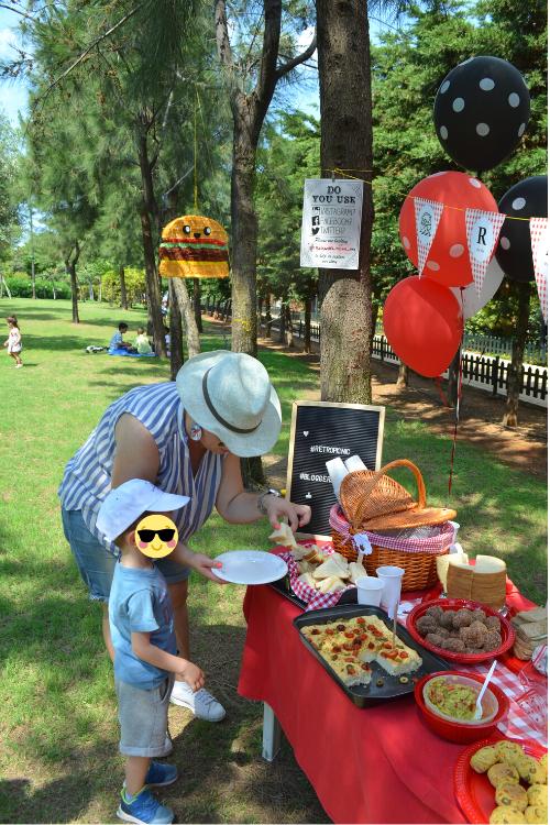 Πως να μετατρέψεις ένα πικ νικ σε παιδικό πάρτυ . Πάρτυ με θέμα το πικ νικ. Retro Bloggers Pic Nic Party