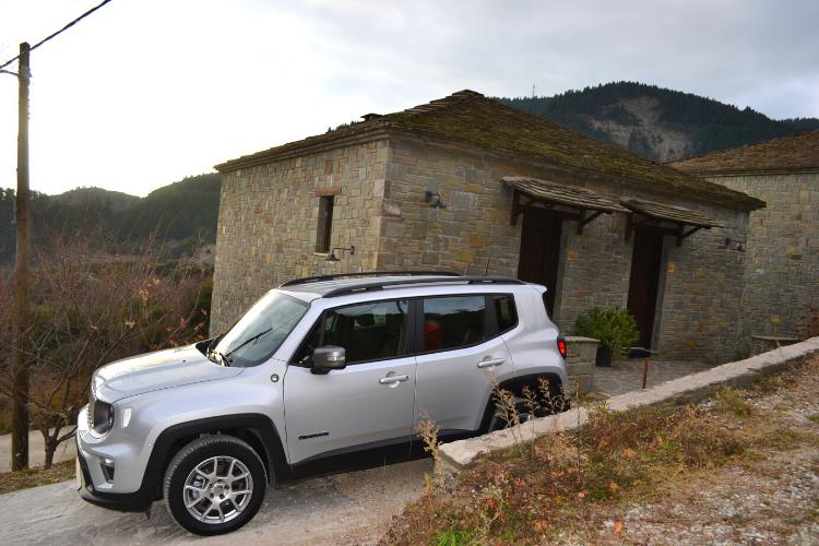 Διαμονή στο Rouista Tzoumerka Resort στην Ήπειροm jeep