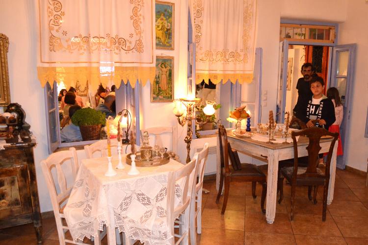 Καλοκαιρινές οικογενειακές διακοπές στην Κύθνο. Χώρα, Στέκι του Ντέτζη