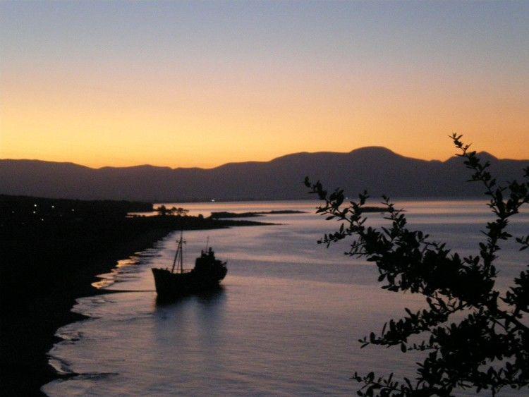 Ταξίδι στην Πελοπόννησο-Γύθειο παραλία Βαλτάκη, Ναυάγιο Γυθείου