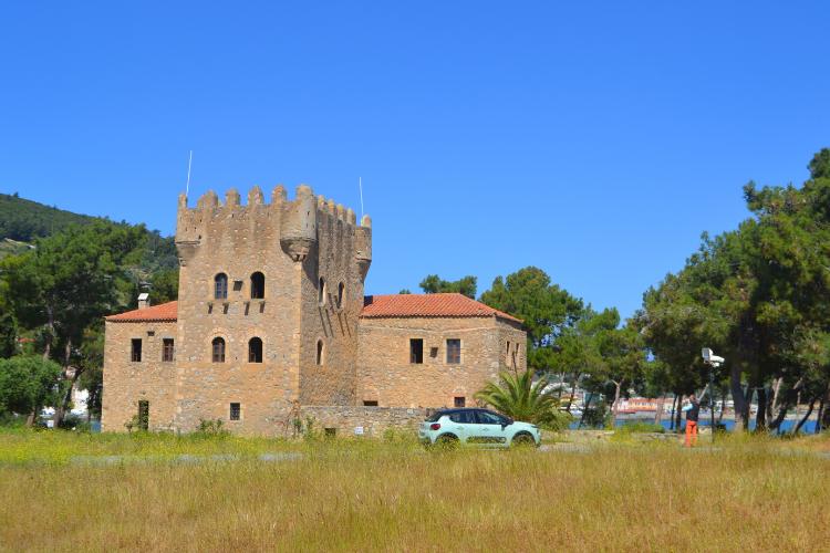 Ταξίδι στην Πελοπόννησο-Γύθειο, Νησί Κρανάη - Πύργος του Τζανετάκη