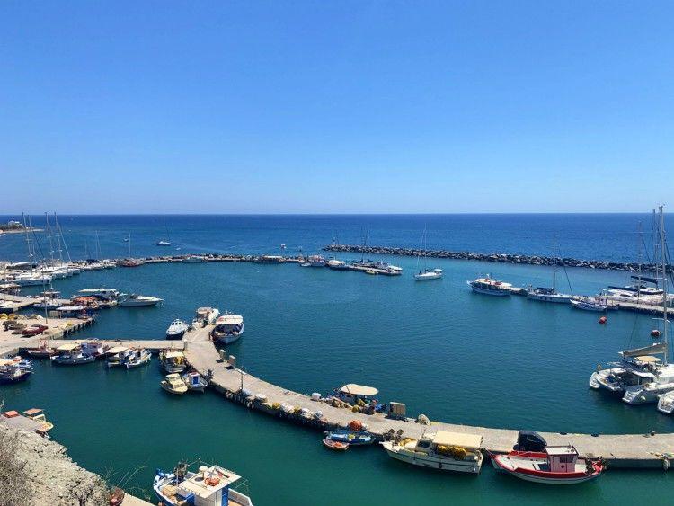 Λιμάνι Βλυχάδας, Σαντορίνη