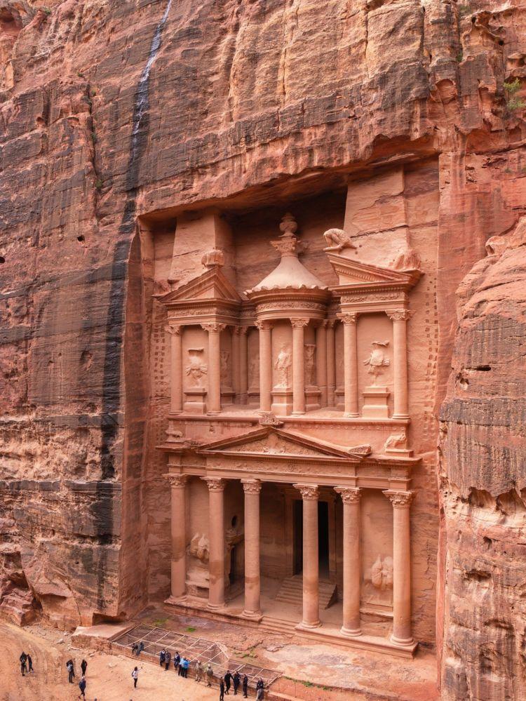 Τα 7 νέα θαύματα του κόσμου . Το θησαυροφυλάκιο στην Πέτρα της Ιορδανίας