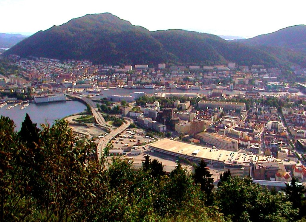 Tαξίδι στο Μπέργκεν, στους καταρράκτες και στα φιορδ της Νορβηγίας. Αξιοθέατα στην πόλη Μπέργκεν. Λόφος Φλόιγεν (Floyen.)