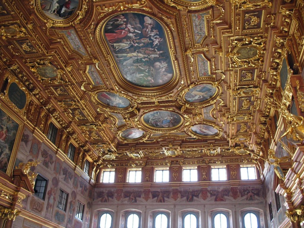 Augsburg, η αυτοκρατορική πόλη στον ρομαντικό δρόμο της Γερμανίας. Tο Golden Hall στο Augsburg
