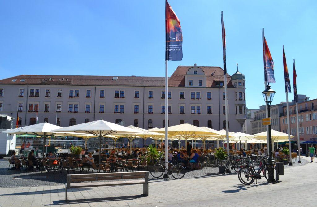 Η πλατεία Rathausplatz. Augsburg, η αυτοκρατορική πόλη στον ρομαντικό δρόμο της Γερμανίας.