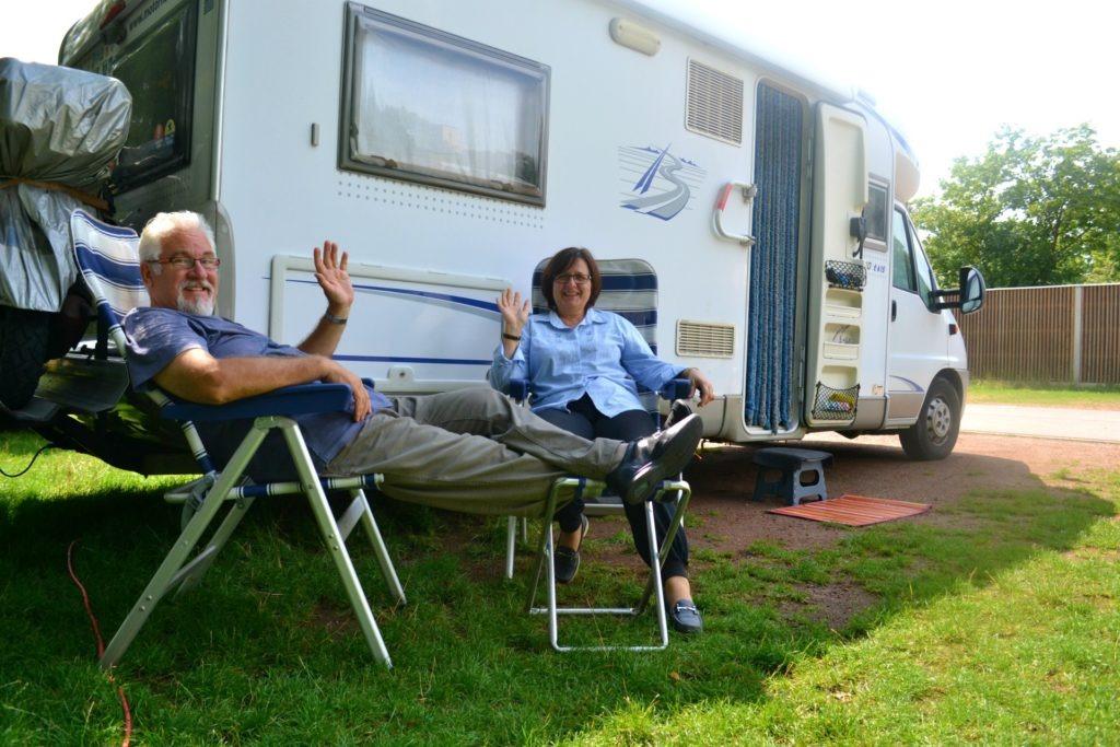 Η προετοιμασία ενός οδικού ταξιδιού στην Ευρώπη. Bamberg, Γερμανία σε camper stop