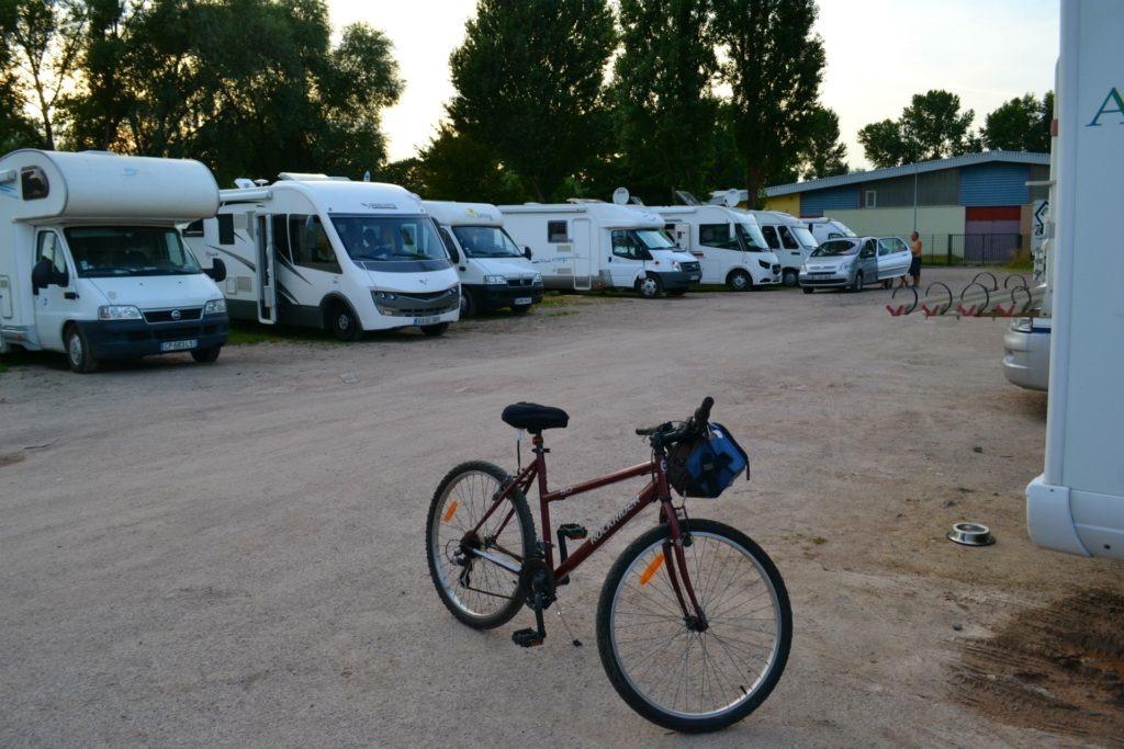 Ταξίδι με αυτοκινούμενο. Προετοιμασία και απαραίτητα έγγραφα. Στο camper stop του Στρασβούργου