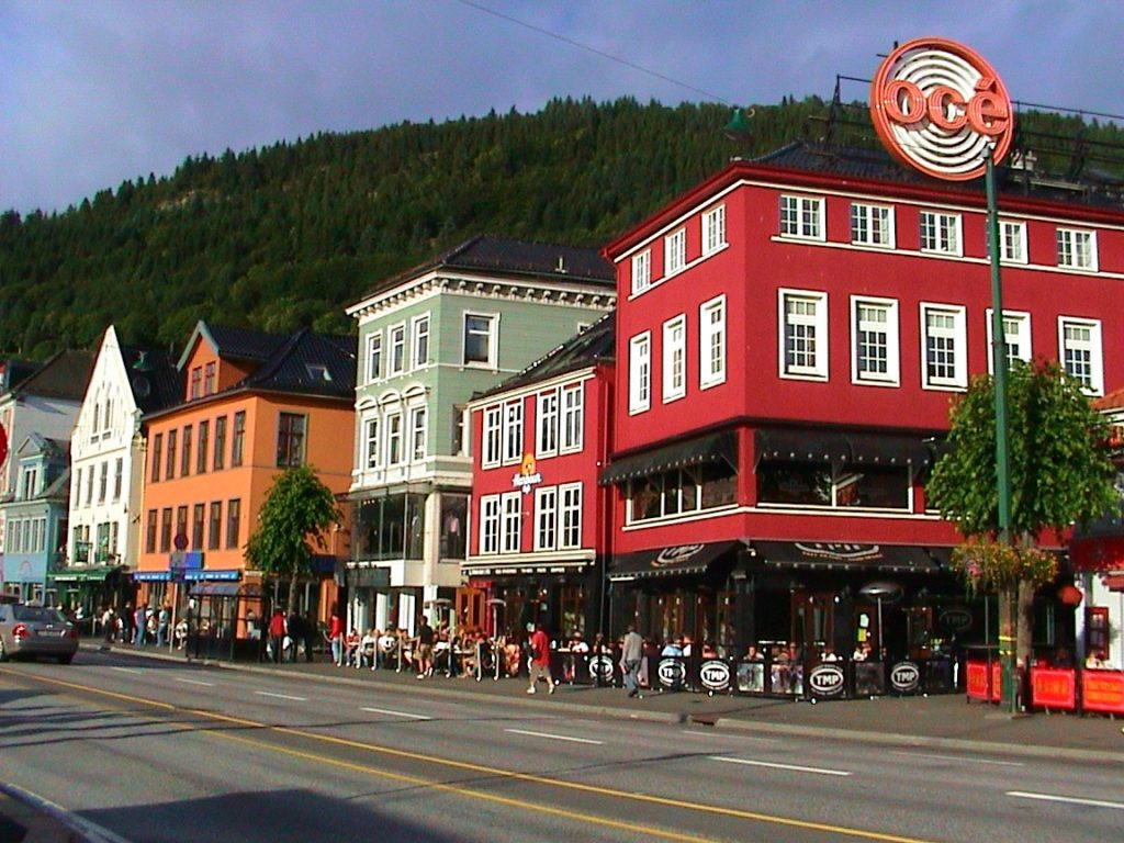Tαξίδι στο Μπέργκεν, στους καταρράκτες και στα φιορδ της Νορβηγίας. Αξιοθέατα στην πόλη Μπέργκεν