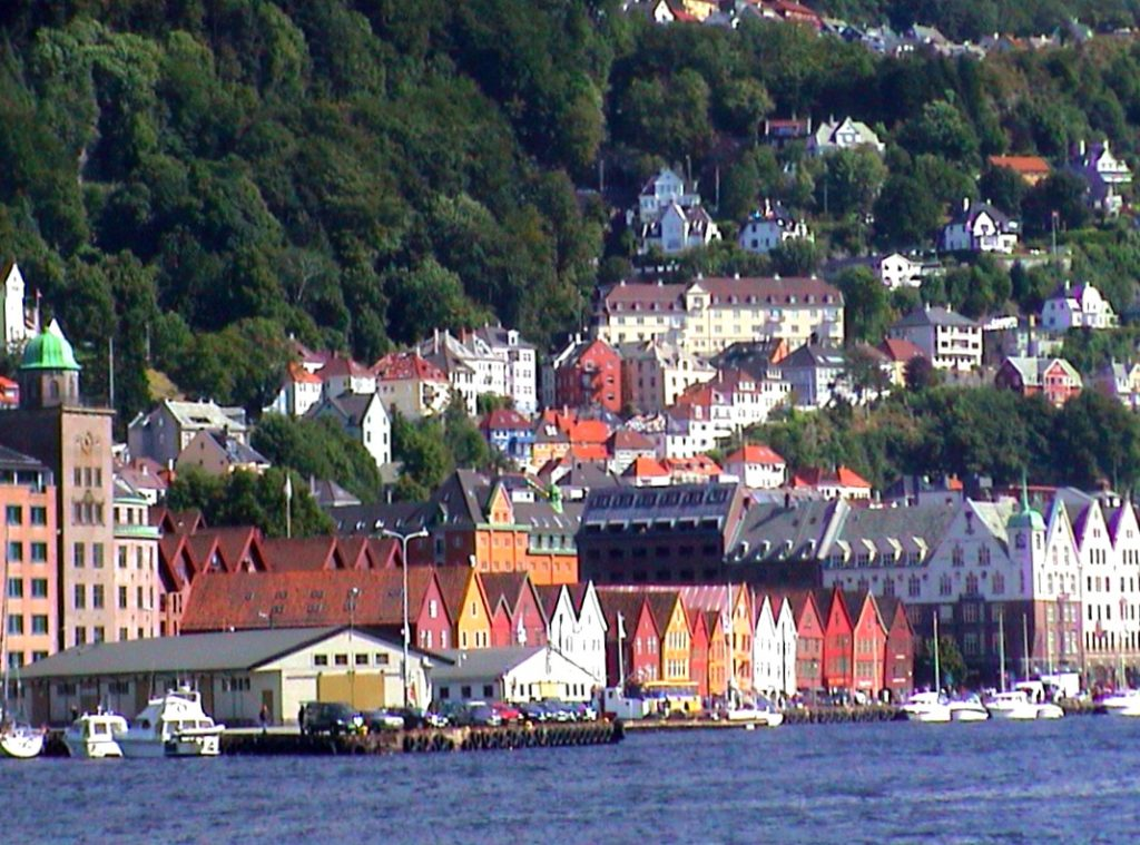 Tαξίδι στο Μπέργκεν, στους καταρράκτες και στα φιορδ της Νορβηγίας. Η πόλη Μπέργκεν.