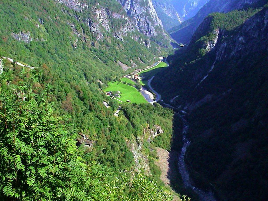 Tαξίδι στο Μπέργκεν, στους καταρράκτες και στα φιορδ της Νορβηγίας.