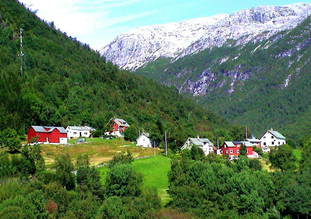 Tαξίδι στο Μπέργκεν, στους καταρράκτες και στα φιορδ της Νορβηγίας