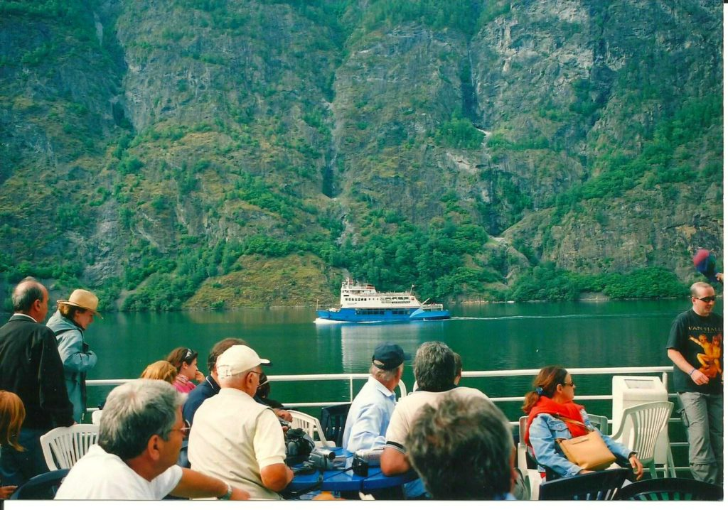 Tαξίδι στο Μπέργκεν, στους καταρράκτες και στα φιορδ της Νορβηγίας. Κρουαζιέρα στο φιορδ της Νορβηγίας.