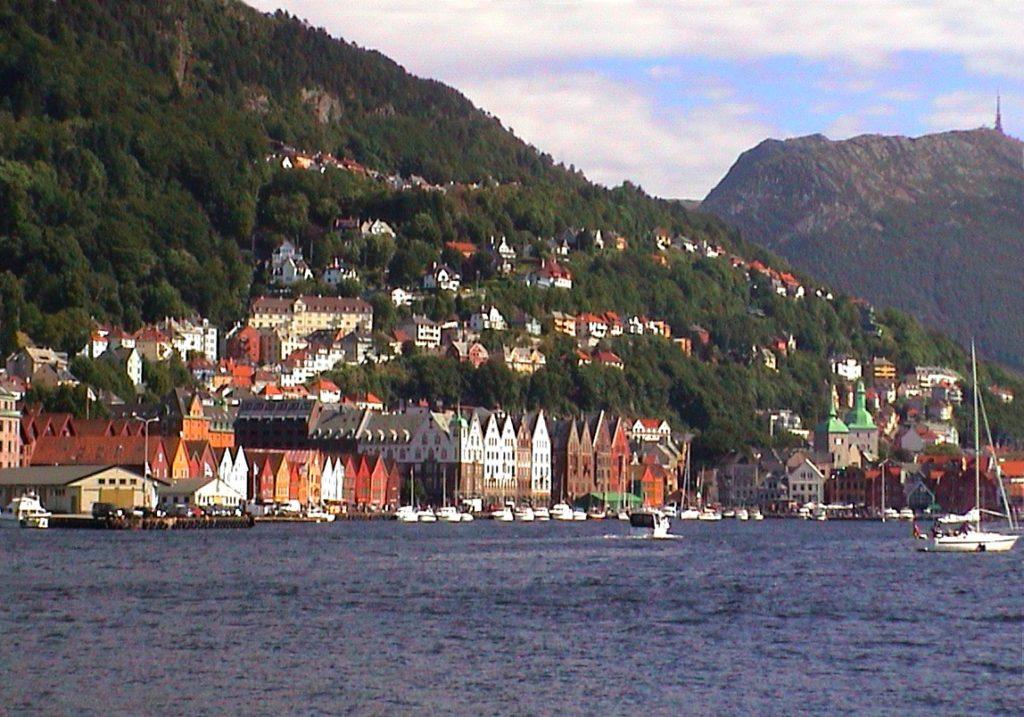Ταξίδι στο Μπέργκεν, στους καταρράκτες και στα φιόρδ της Νορβηγίας. Η πόλη Μπέργκεν.