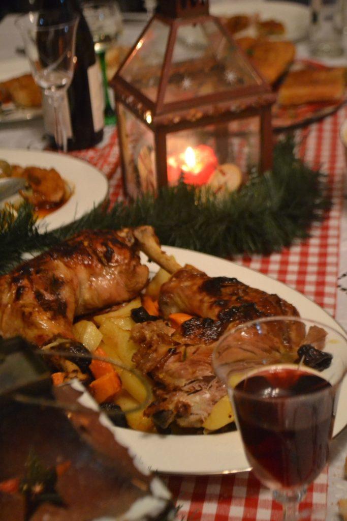 Γιορτινό μπούτι γαλοπούλας με πατάτες,