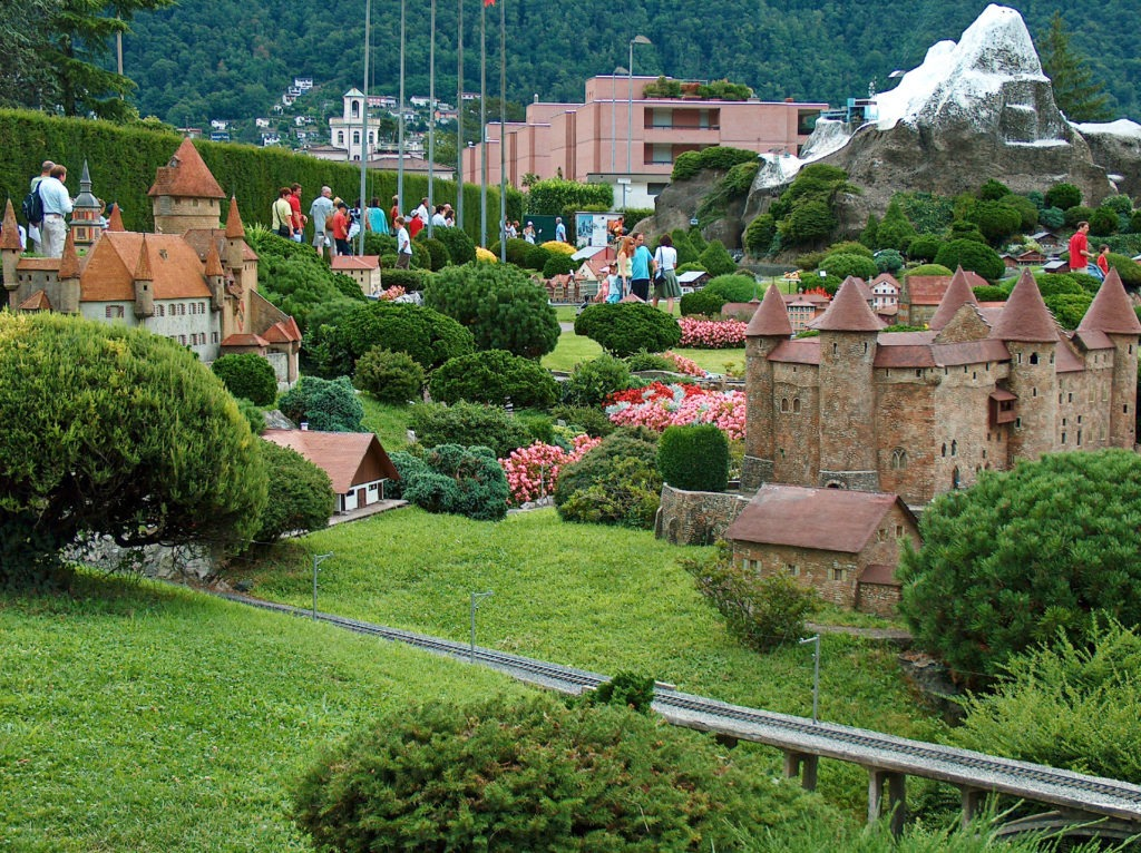 Το Λουγκάνο και η σήραγγα Gotthard road tunnel στην Ελβετία. Swissminiatur, στο χωριό Melide