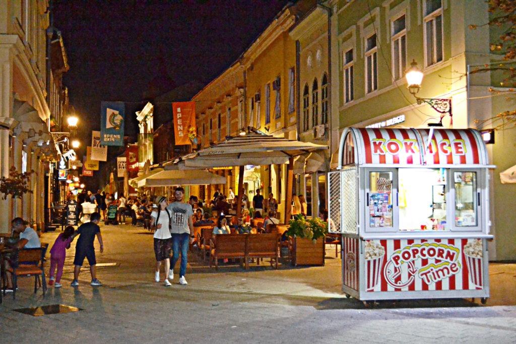 Δυο μέρες στο Νόβι Σαντ της Σερβίας. πεζόδρομος Zmaj Jovina
