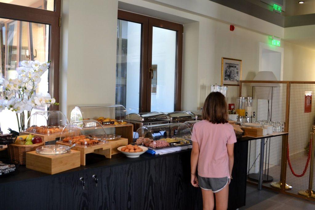 Royalty Hotel Athens, αίθουσα πρωινού
