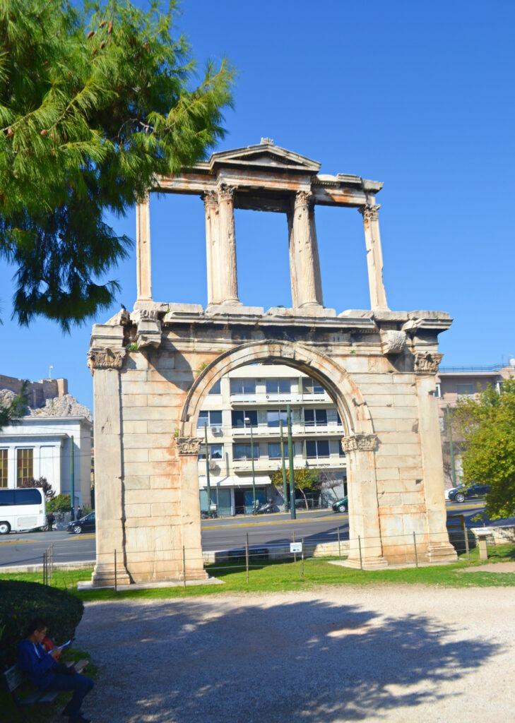 Μια ολοήμερη περιήγηση στην Αθήνα. Πύλη Αδριανού
