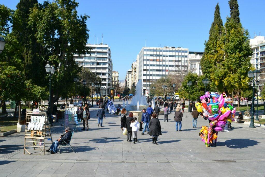 Μια ολοήμερη περιήγηση στην Αθήνα. Πλατεία Συντάγματος