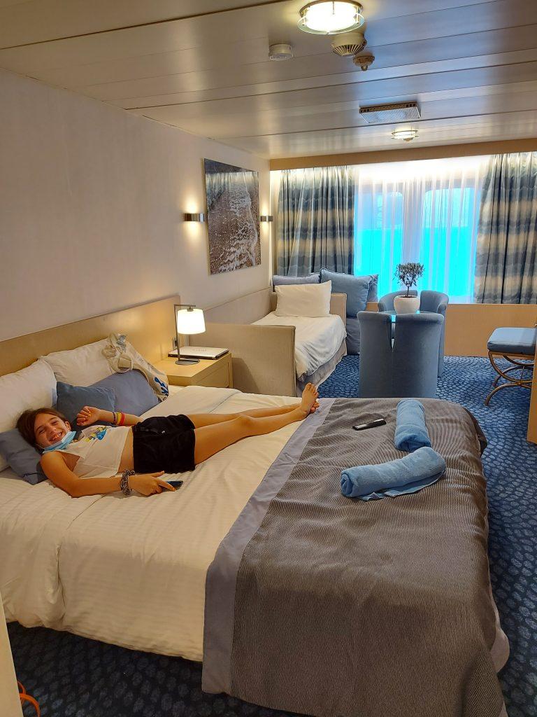 Οικογενειακή κρουαζιέρα με τη Celestyal Cruises, junior suite στο celestyal olympia