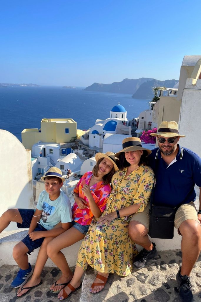 Οικογενειακή κρουαζιέρα με τη Celestyal Cruises εξερευνώντας τη Σαντορίνη, Οία