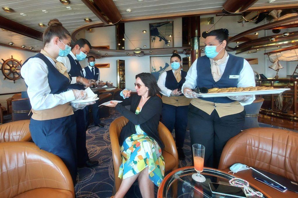 Οικογενειακή κρουαζιέρα με τη Celestyal Cruises, απογευματινές λιχουδιές