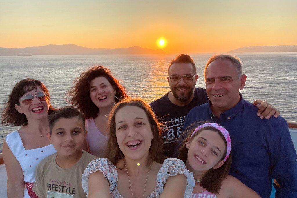 Οικογενειακή κρουαζιέρα με τη Celestyal Cruises. Ηλιοβασίλεμα από το celestyal olympia