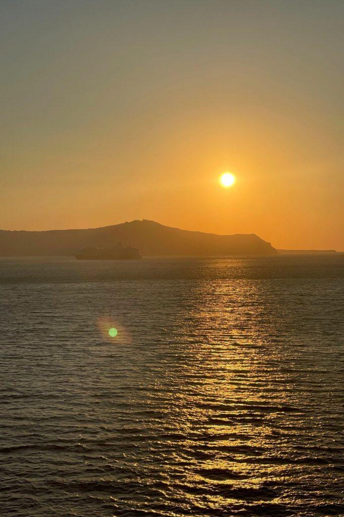 Πώς περάσαμε στη Σαντορίνη-Κρουαζιέρα με τη Celestyal Cruises-ηλιοβασίλεμα από το celestyal olympia