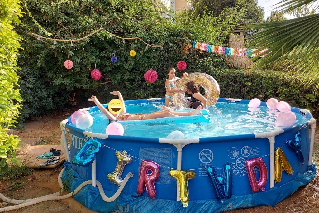 Pool party για τα 10α γενέθλια της Μελίτας στον κήπο μας