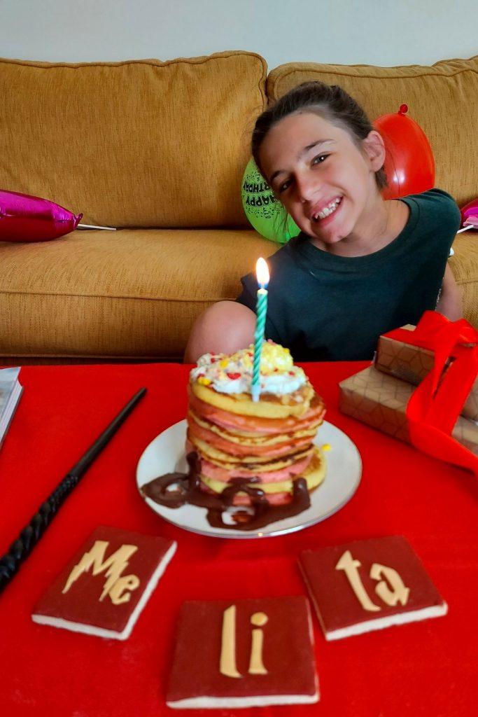 Γενέθλιο πρωινό / brunch Harry Potter με pancakes Gryffindor