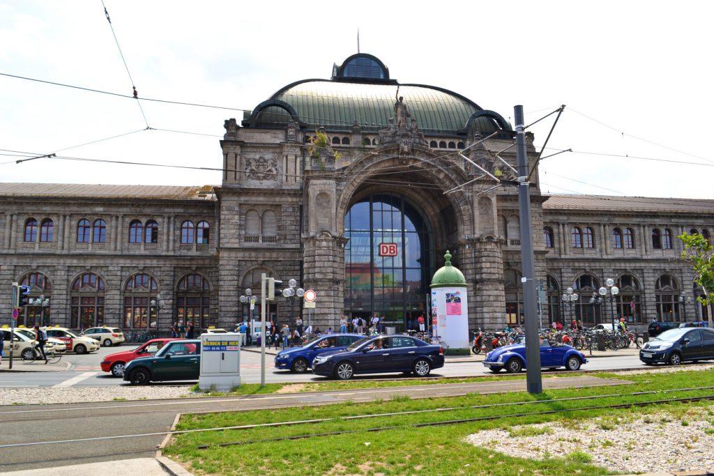 Νυρεμβέργη: Ξενάγηση στα αξιοθέατα της γερμανικής πόλης. ο κεντρικός σιδηροδρομικός σταθμός της Νυρεμβέργης